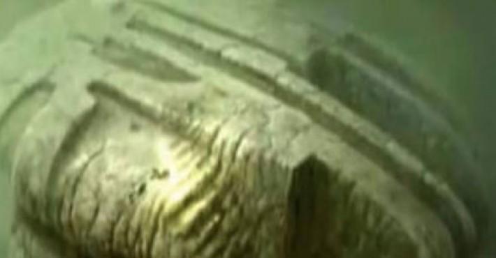 Μυστήριο στον βυθό, Εξωγήινο σκάφος ή μυστικό όπλο των Ναζί;