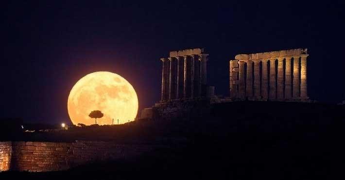 Τι έλεγαν οι αρχαίοι Έλληνες φιλόσοφοι για την Σελήνη