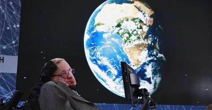 Ο Στίβεν Χόκινγκ «έριξε» τη σελίδα του Κέιμπριτζ (Βίντεο)