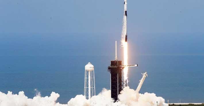SpaceX Επιτυχής η ιστορική εκτόξευση της επανδρωμένης αποστολής Demo-2